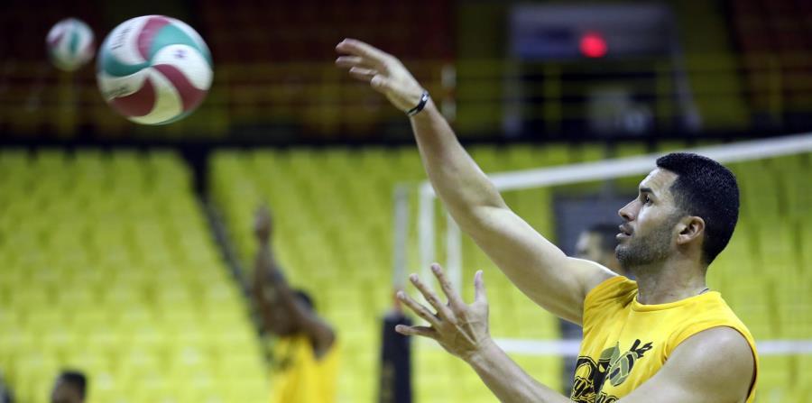 El yaucano Roberto Muñiz lleva sobre 20 temporadas activo en la Liga de Voleibol Superior Masculino y jugó con la Selección Nacional. (horizontal-x3)