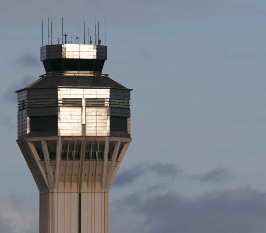 Torre de control del aeropuerto internacional. (GFR Media) (semisquare-x3)