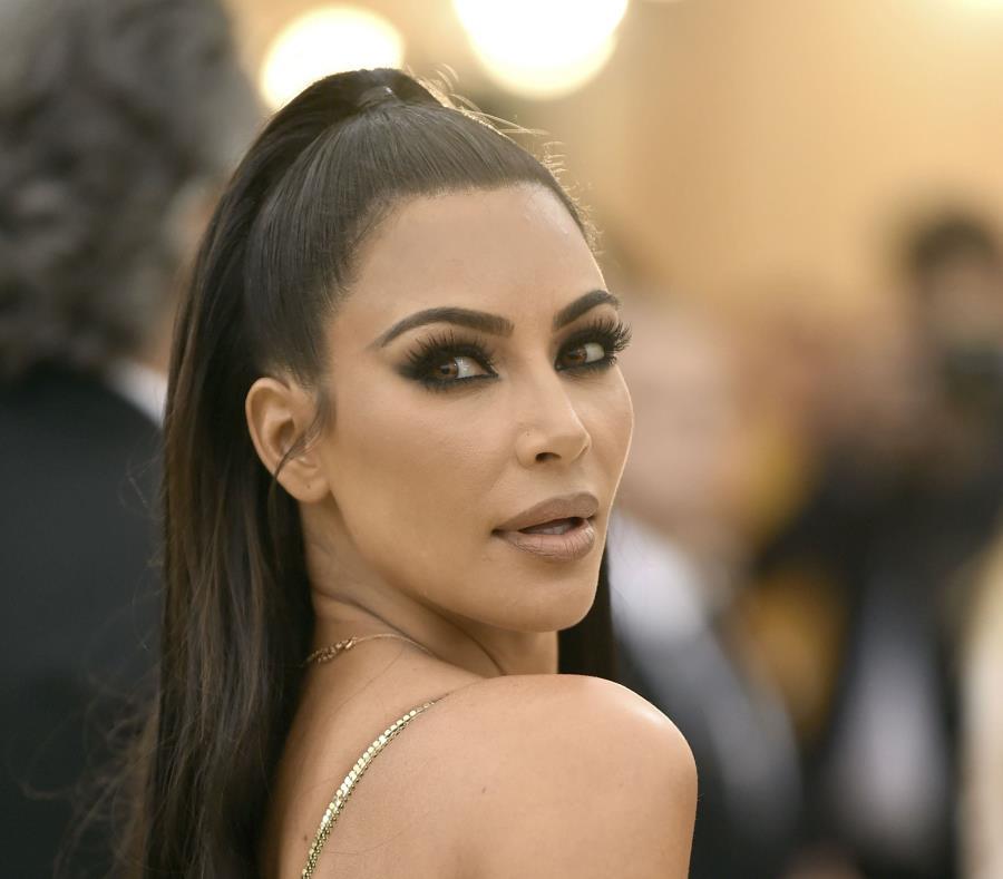 Kim Kardashian se conmovió con la historia de Alice Marie Johnson (semisquare-x3)