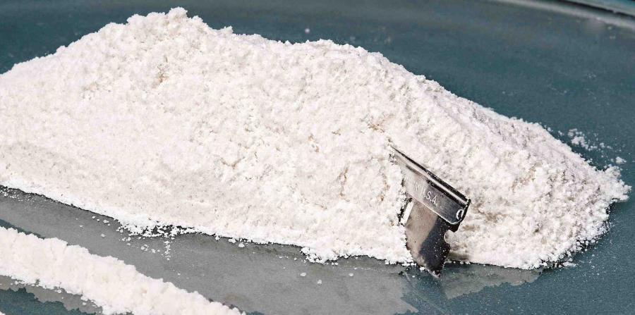 La fuerza naval localizó 12 bultos en bolsas de plástico que contenían 473 paquetes de droga. (Archivo) (horizontal-x3)