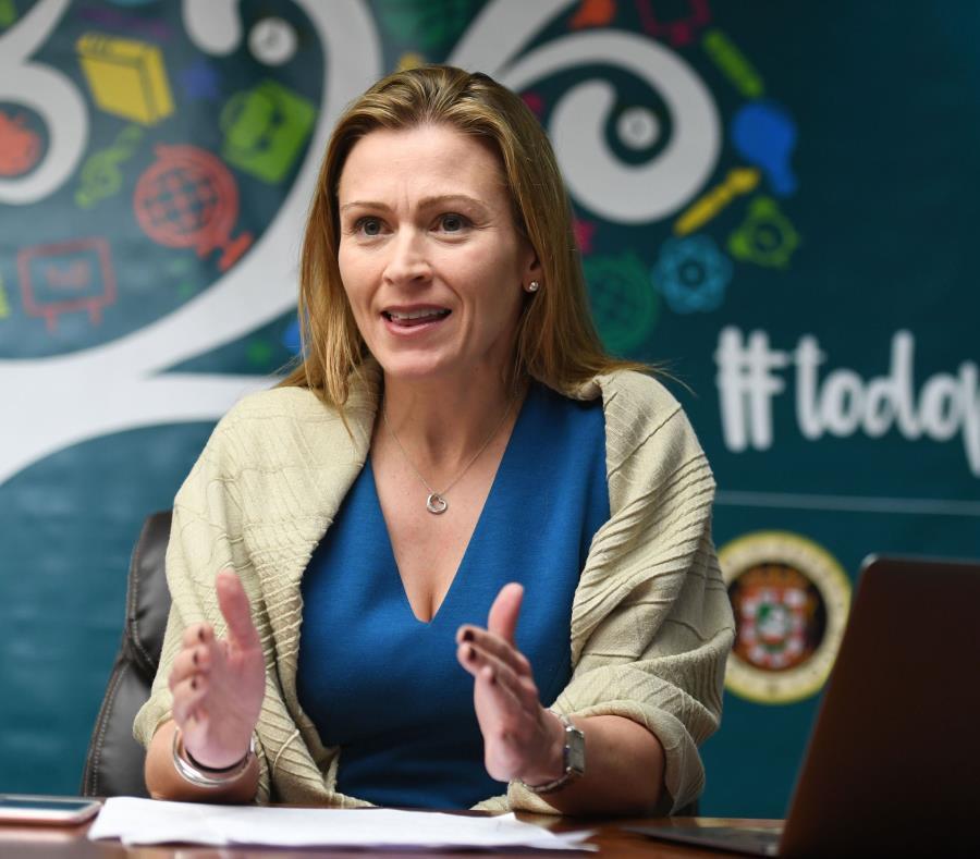 La secretaria de Educación, Julia Keleher, informó que la meta es establecer cuál debe ser el estándar de cada plantel y asignar responsabilidades por los trabajos. (semisquare-x3)