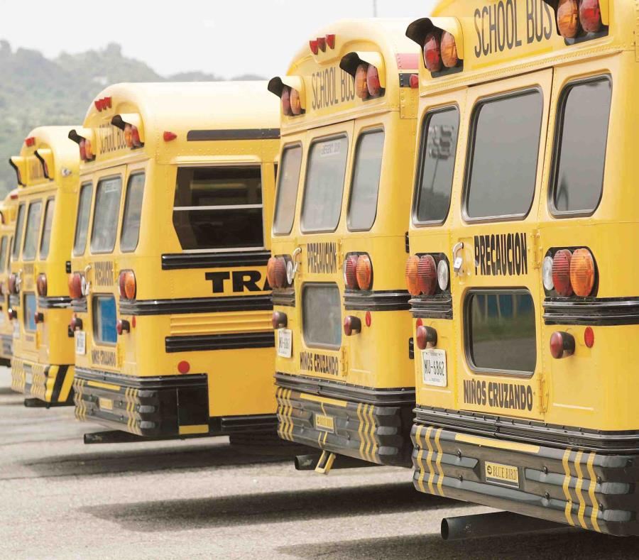 El aguacero provocó inundaciones en escuelas y viviendas. (GFR Media) (semisquare-x3)