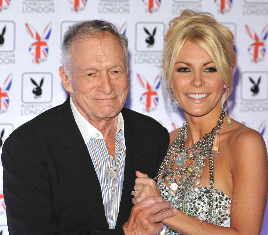 La viuda de Hugh Hefner revela cómo fue su vida íntima con el fundador de Playboy (semisquare-x3)