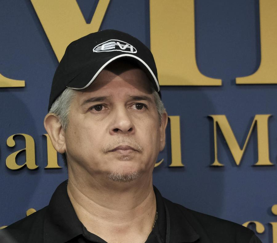 Cientos personas piden la renuncia gobernadora PR