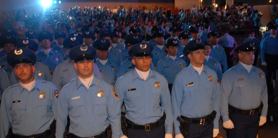 En la exposición de motivos del proyecto se indica que 1,900 policías cualificarían para el retiro entre marzo de 2017 y diciembre del 2020. (horizontal-x3)