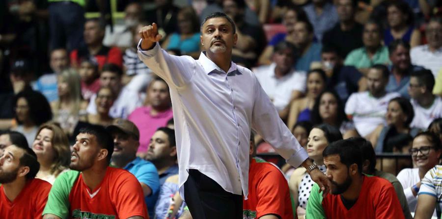 El dirigente de los Santeros de Aguada, Eddie Casiano (horizontal-x3)