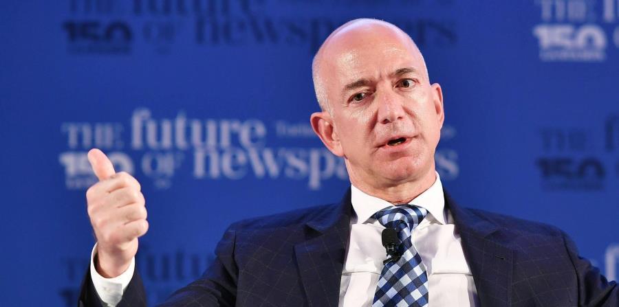 De acuerdo con Forbes, la fortuna del fundador de Amazon es de unos $90,600 millones. (EFE / Alessandro Di Marco) (horizontal-x3)
