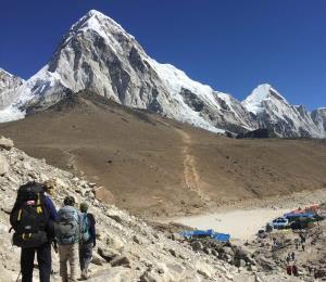 Firme en ruta al Everest