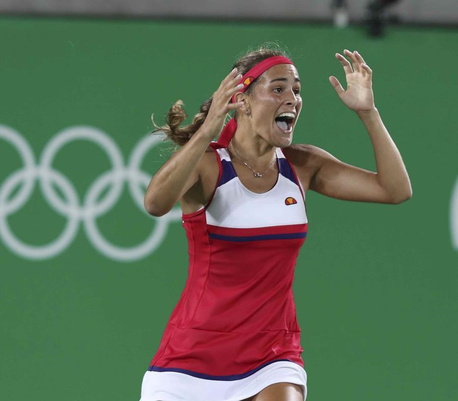 Mónica Puig también fue la primera tenista hispana en obtener una medalla de oro en unas Olimpiadas (semisquare-x3)