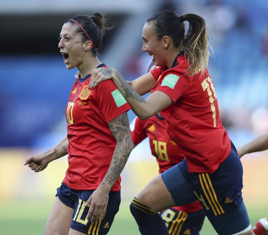 Jennifer Hermoso, izquierda, y otras jugadoras celebran un gol. (AP/Francisco Seco) (semisquare-x3)