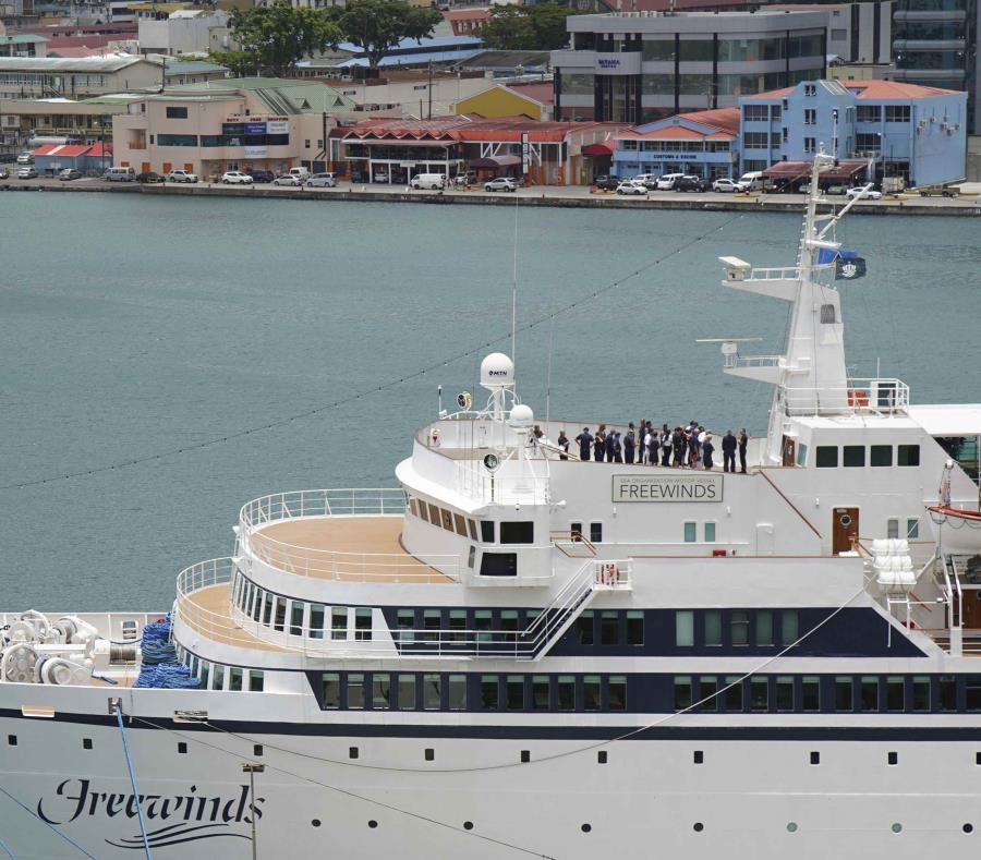 En el barco viajan 318 pasajeros. (AP) (semisquare-x3)