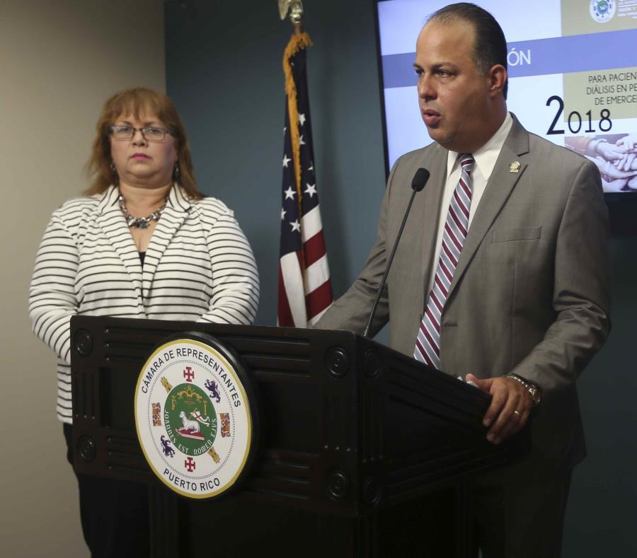 El representante Juan Oscar Morales ofrece una conferencia de prensa en el Capitolio. (GFR Media) (semisquare-x3)