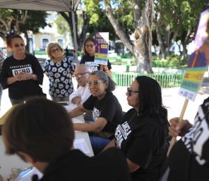 Pensionados del gobierno en la zona suroeste luchan para evitar recortes de la Junta Fiscal