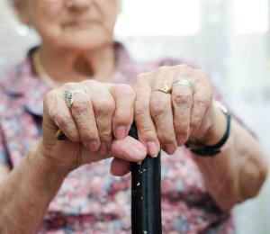 COVID-19: barreras contra el contagio de adultos mayores
