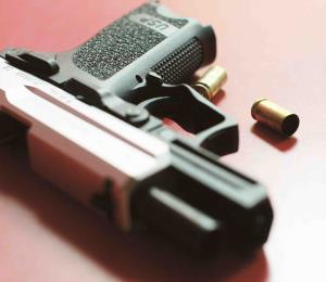 Niño se hiere con el arma de su padre en Río Grande