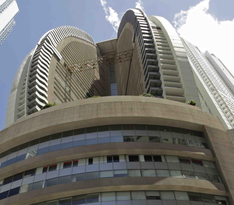 En esa imagen de archivo, tomada el 28 de febrero de 2018, vista del Trump Ocean Club International Hotel and Tower en la costa, en la Ciudad de Panamá. (semisquare-x3)