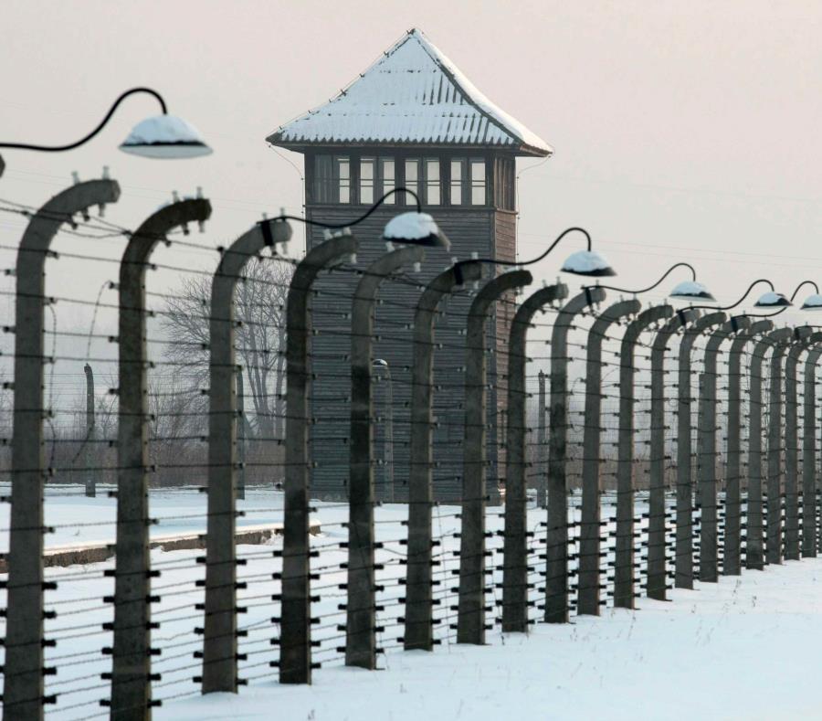 campo de concentración nazi de Auschwitz-Birkenau (semisquare-x3)