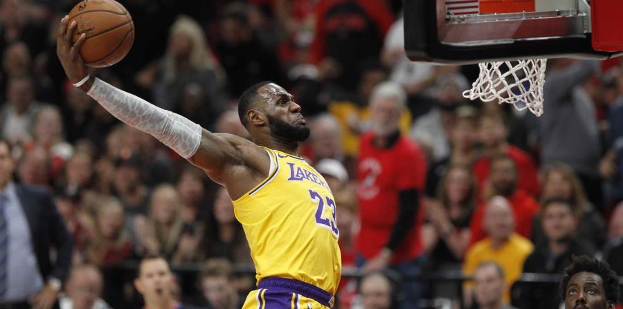 LeBrón y los Lakers tienen marca de 7-6. (EFE) (horizontal-x3)
