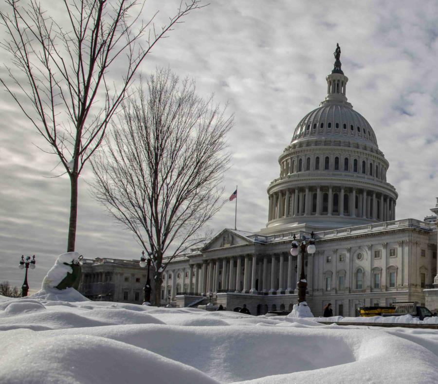 Senado niega dar fondos para muro
