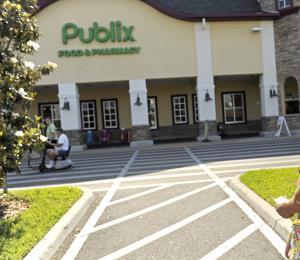 Sobrevivientes de tiroteo en Parkland apoyan boicot a supermercado