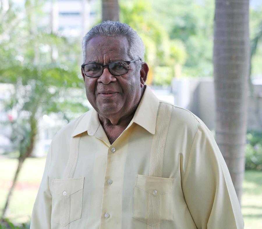 El alcalde de Humacao, Marcelo Trujillo Panisse (semisquare-x3)