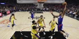 Kawhi Leonard lidera a los Clippers a su primera victoria sobre LeBron James y los Lakers