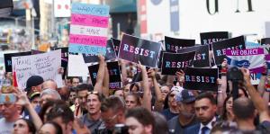 La administración de Trump quiere definir el género por el sexo al nacer