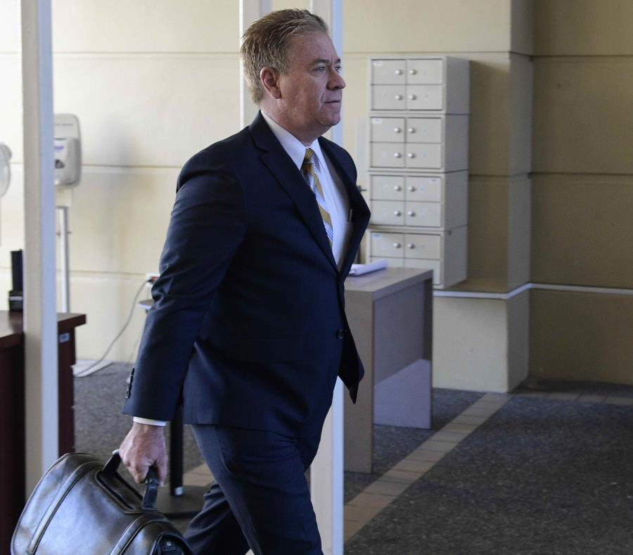 Guillermo Somoza a su llegada al Tribunal de Carolina (semisquare-x3)