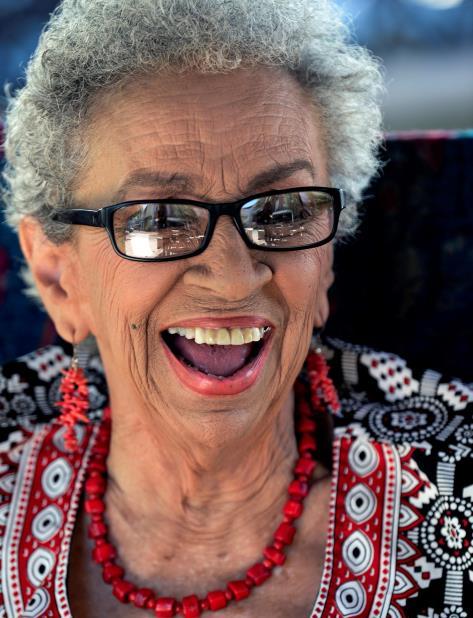 A sus 96 años de edad, la profesora Victoria Espinosa rememora la intensidad con la que trabajó en el Departamento de Drama de la Universidad de Puerto Rico. (vertical-x1)