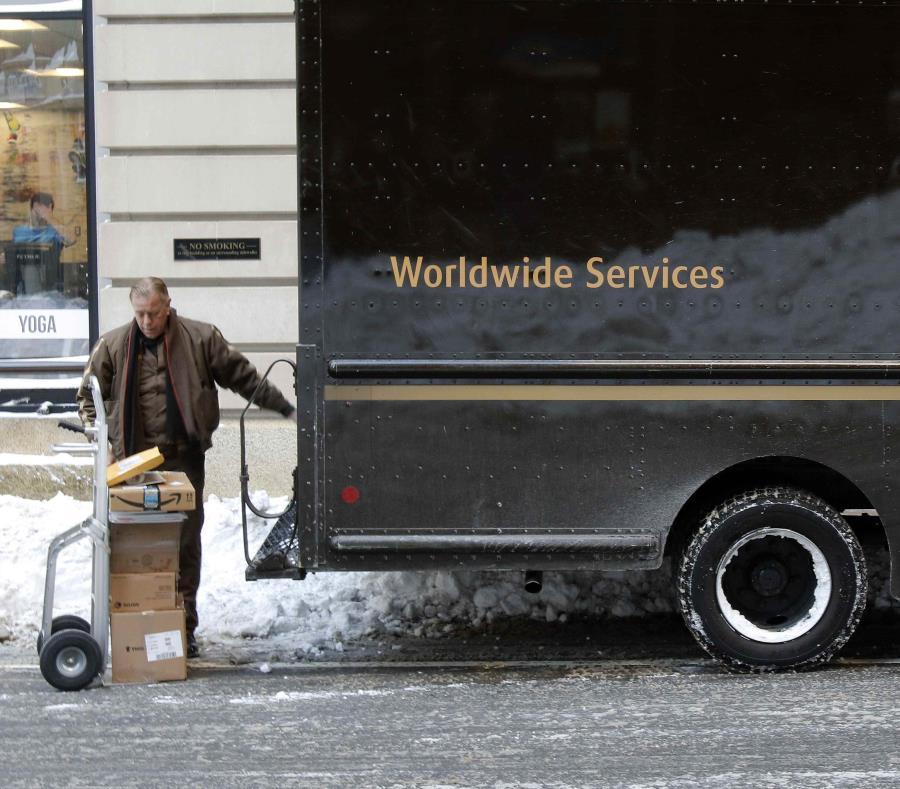 Foto tomada de un camión de la UPS en Boston el 5 de enero del 2018. A pesar de que no ha llegado todavía la Navidad, mucha gente ya está devolviendo los regalos que había comprado para la fecha festiva (semisquare-x3)