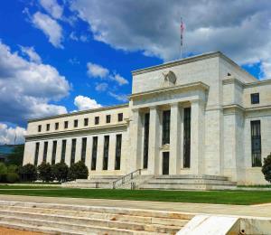 Fed alerta que se necesitarán más medidas para impulsar la recuperación