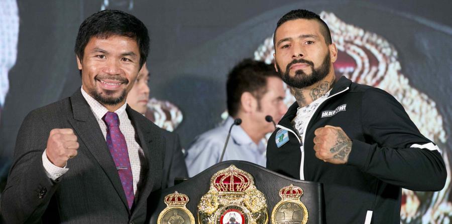 Manny Pacquio y  Lucas Matthysse posan con el título wélter de la Asociación Mundial de Boxeo. (AP) (horizontal-x3)