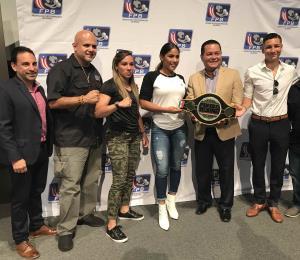 Al ring los boxeadores olímpicos en la Copa Alcalde DIRECTV