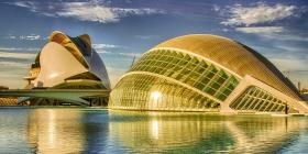 Valencia, más allá que las Fallas y la paella