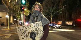 La policía trata de parar marcha por el asesinato de George Floyd en Australia