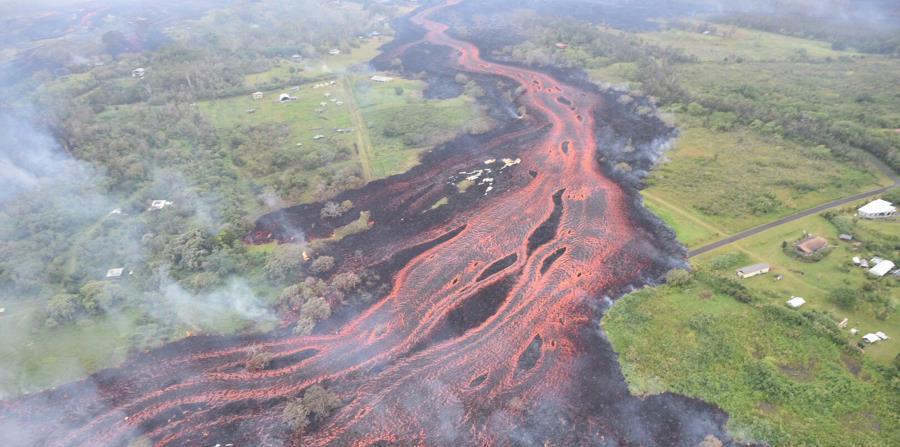 Vista aérea del río de lava tras la erupción del volcán Kilauea, en Hawaii (horizontal-x3)