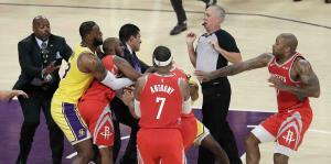 Una pelea arruina el debut en casa de LeBron con los Lakers