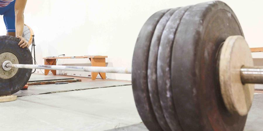 En arranque, la boricua Flavia Reyes quedó en quinto lugar con 87 kilogramos, lo que logró en el segundo intento. (GFR Media) (horizontal-x3)