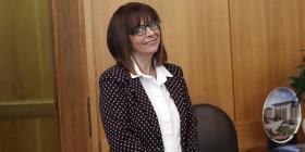 Legisladores griegos eligen a su primera presidenta mujer