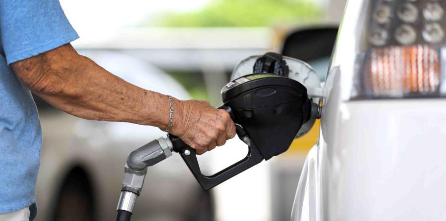 El estimado preliminar para el consumo de gasolina en agosto fue de 75.7 millones de galones. (GFR Media) (horizontal-x3)