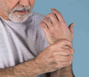 Siete síntomas comunes del hipotiroidismo en personas mayores