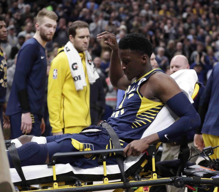 Victor Oladipo abandona el partido Pacers-Raptors por lesión en la pierna