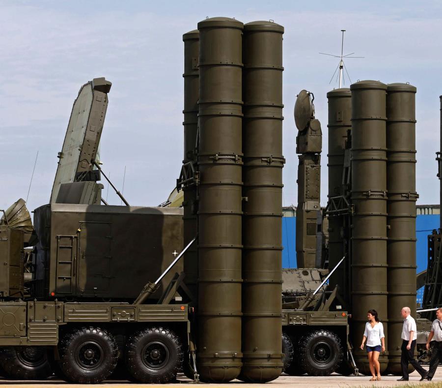 Así es el S-300, el temido sistema de defensa que Rusia enviará a Siria (semisquare-x3)