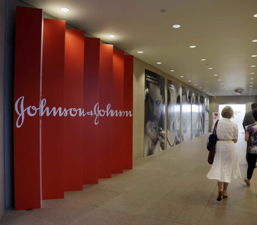 Johnson & Johnson deberá pagar 8 mil millones de dólares a un hombre