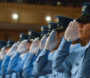Justicia para maestros y policías