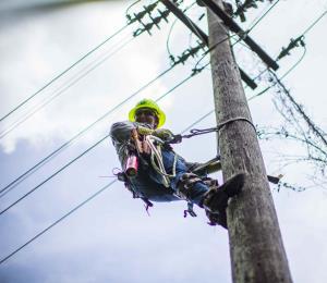 La sobrefacturación y el conflicto en la reconstrucción de Puerto Rico
