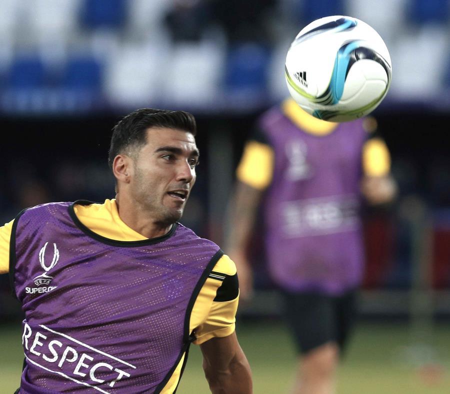 La imagen muestra a José Antonio Reyes cuando era delantero del Sevilla en 2015. (EFE) (semisquare-x3)