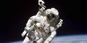Miles de personas se ofrecen para explorar el espacio