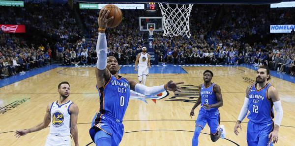 Russell Westbrook lidera al Thunder en triunfo sobre los Warriors