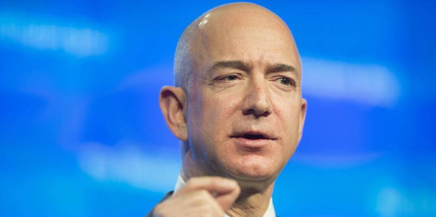El fundador de Amazon, Jeff Bezos, pronuncia un discurso en Washington. (EFE) (horizontal-x3)